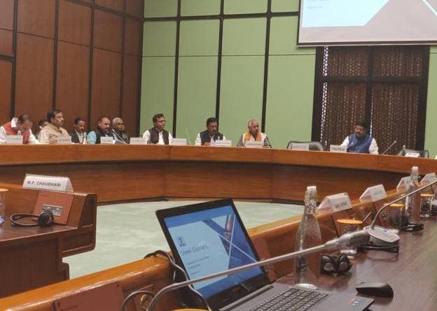 Steel Minister Pradhan consults MPs on cluster model, new policy