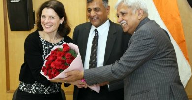 Swedish Parliamentary delegation visits ECI, meets Election Commissioners Arora, Lavasa, Chandra