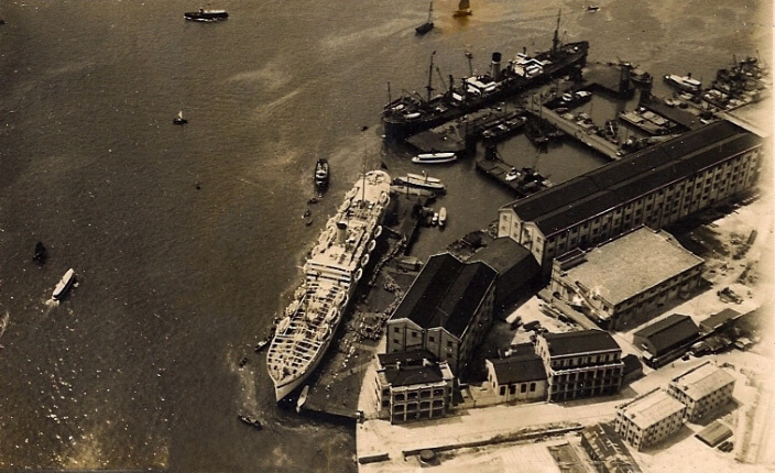 Holts Wharf 1930s