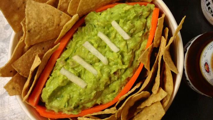 ¿Super Bowl sin guacamole? Escasez de gasolina en México pondría en jaque envíos de aguacate a EU