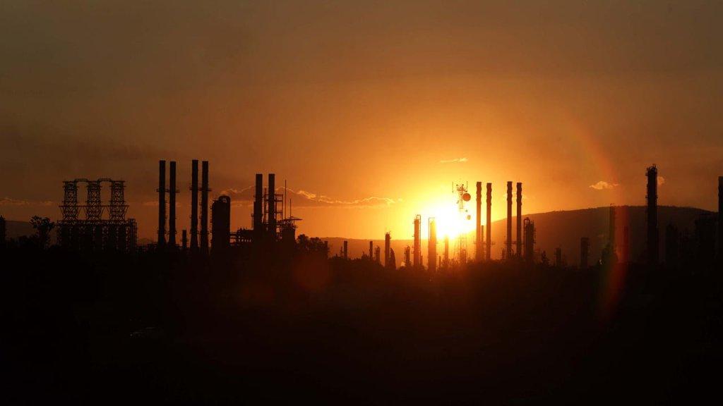 AMLO considera un reto construir refinería Dos Bocas con 8,000 mdd
