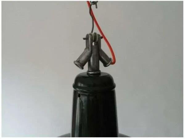 Donkerblauw geëmailleerde hanglamp uit frankrijk kopstuk detail 1