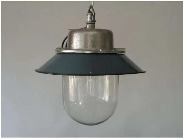 Geemailleerde stolplamp