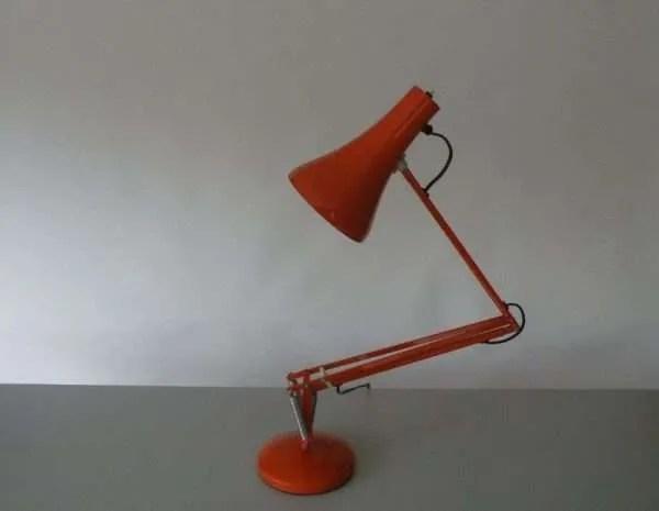 Oranje anglepoise 3