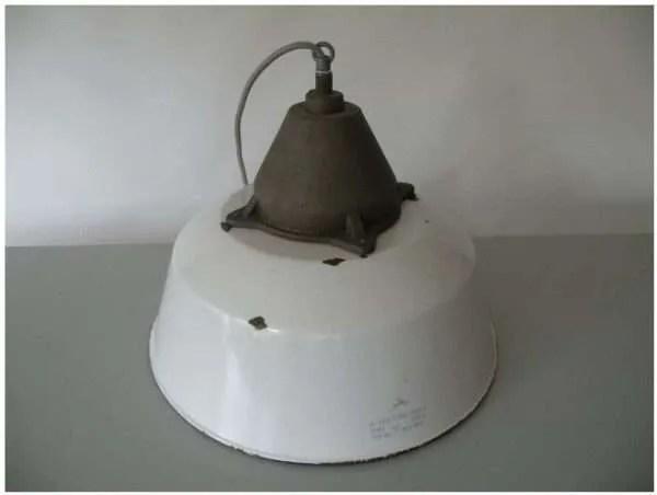 Wit geemailleerde hanglamp 2