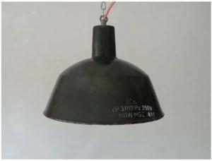 Zwart geemailleerde hanglamp