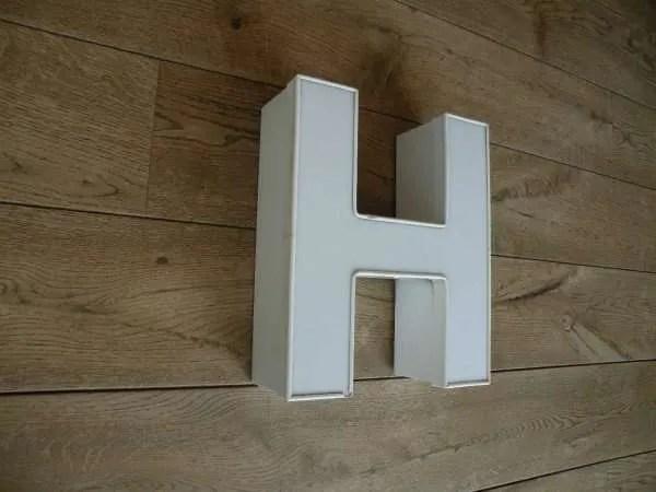 Letterlamp H wit zijkant