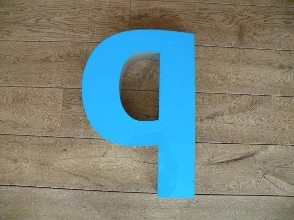 Letterlamp blauw b voorkant xl 1