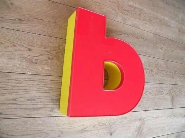 Letterlamp rood geel B zijkant li