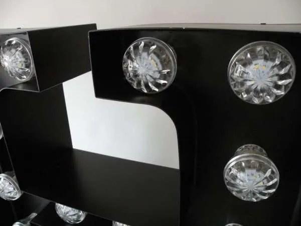 letterlamp bakletter H detail