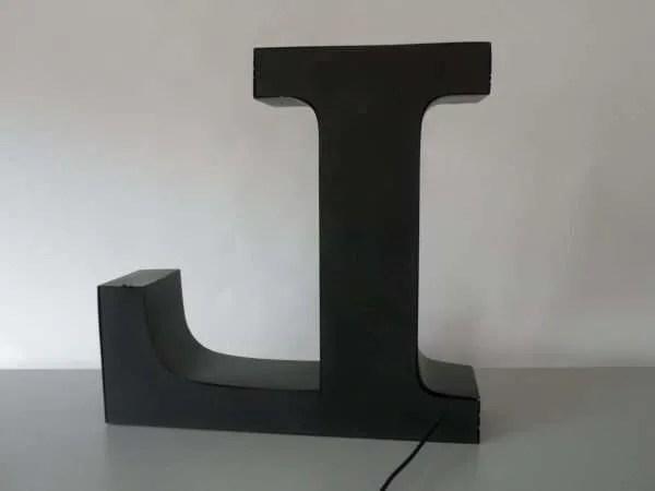 letterlamp bakletter L achterkant