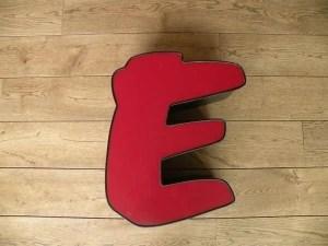 rood zwart letterlamp E 1