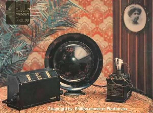 Philips-tafel-lamp-bakeliet-BINK 5