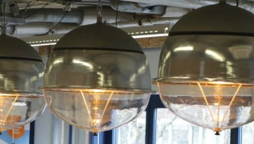 Leidsch upcycle-project Openbare Verlichting van BINK lampen & PLNT