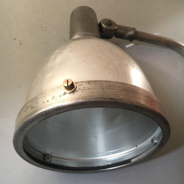 paar industriele wandlampen 6