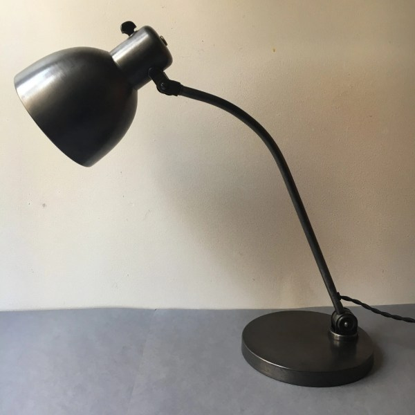hala bureaulamp bauhaus 3