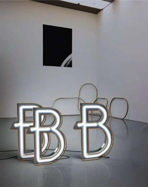 Delightfull letterlamp B in situ 2