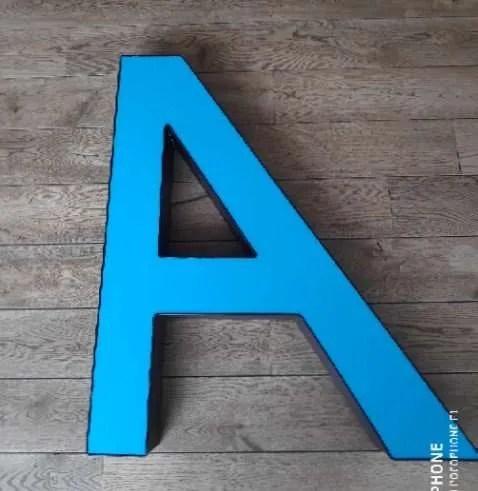 Blauwe letterlamp A 3