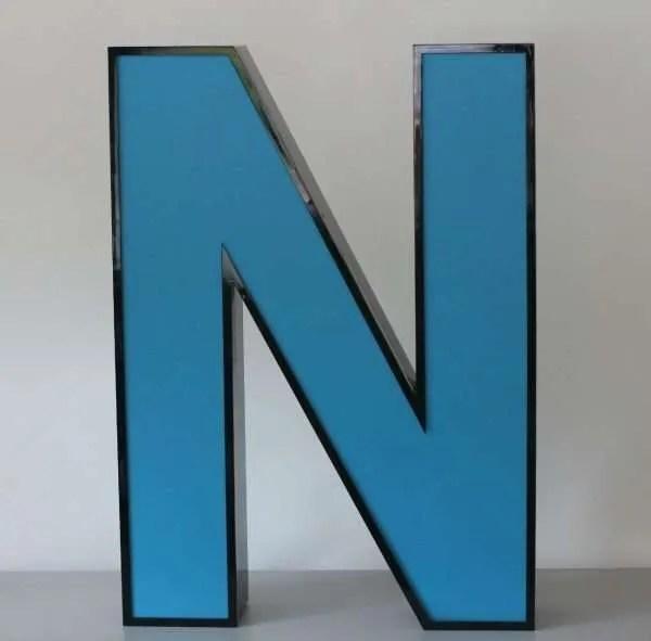 Letterlamp blauw letter N 1