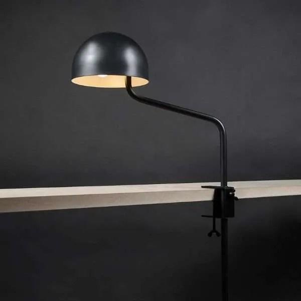 officer-klemlamp-zwart-tafel-revolt-bink-lampen