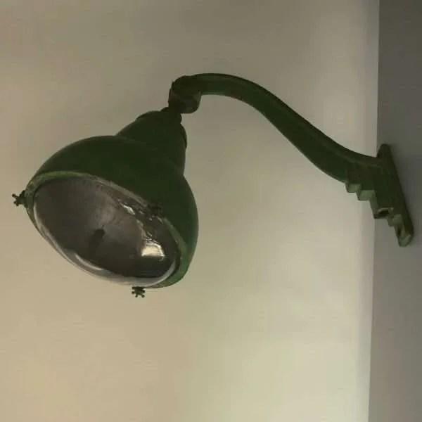 Vintage-openbare-verlichting-frankrijk-lyon-06