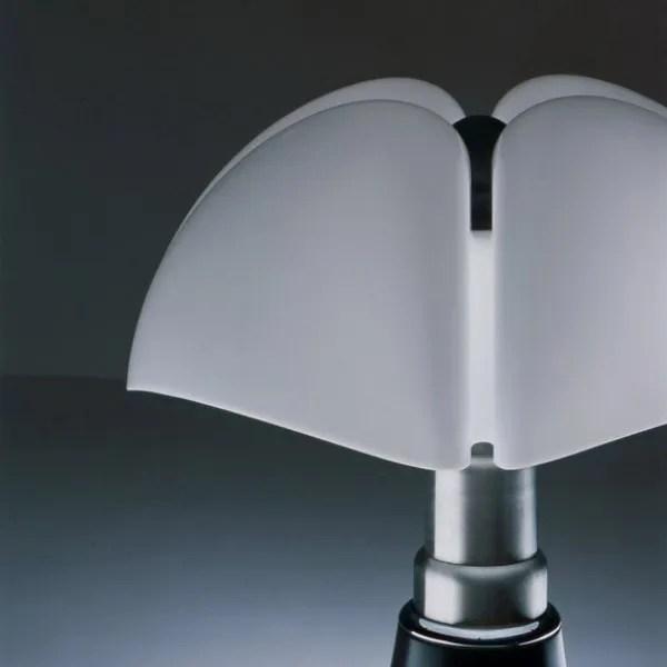 620-vleermuis-gae-aulenti-martinelli-luce-02