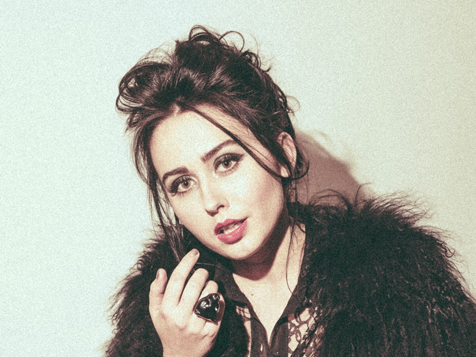 Pop singer Fiona Grey speaks to ray sang from industryme about her brand new ep cult classics