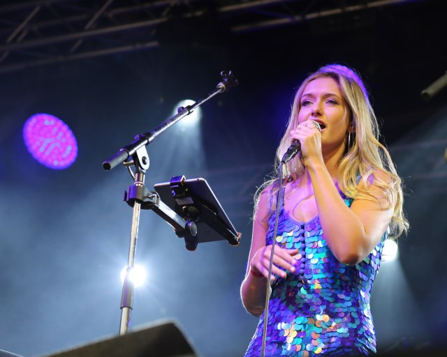 Budding singer Katie Kittermaster performing live for jools Holland bbc