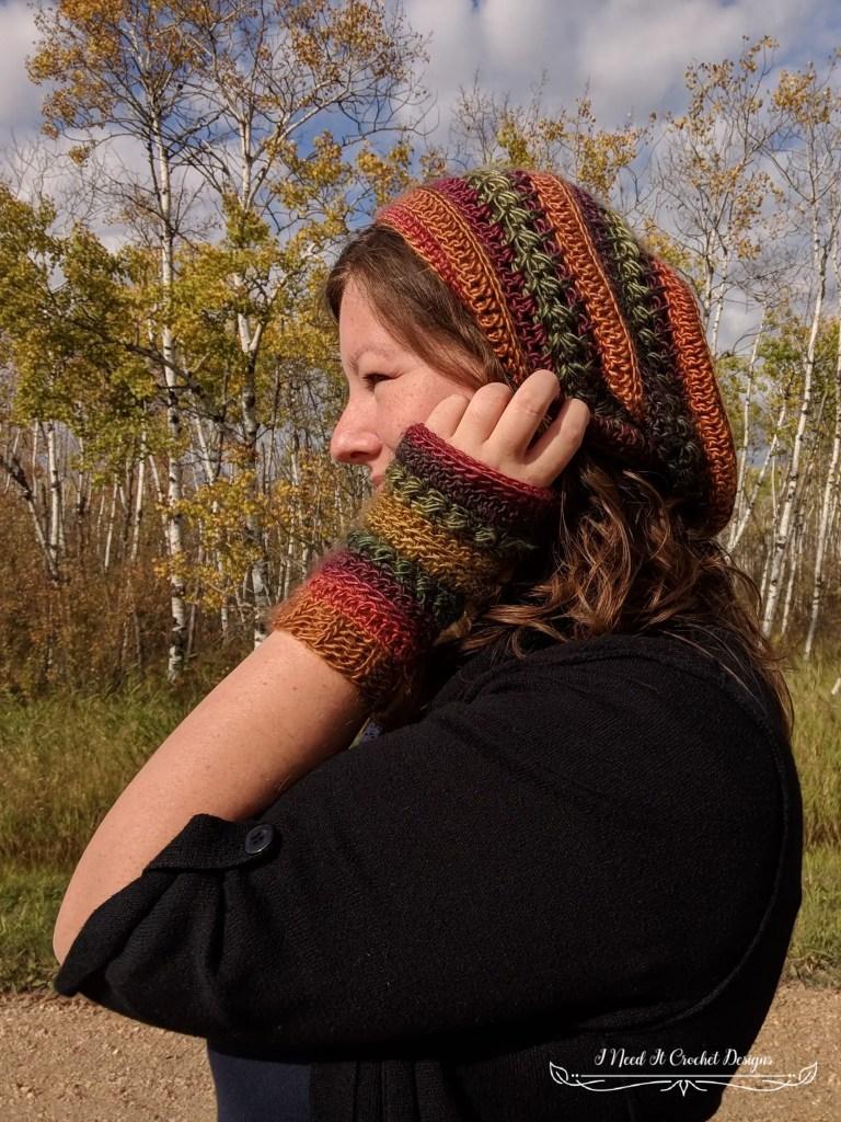 The Bauble Fingerless Gloves - Free Crochet Pattern