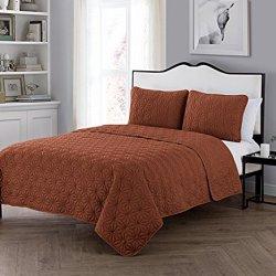 VCNY Home Kaleidoscope Embossed Polyester 3 Piece Quilt Set, SUPER SOFT Quilt Set, Wrinkle Resistant, Hypoallergenic Bed Set, King, Burnt Orange.