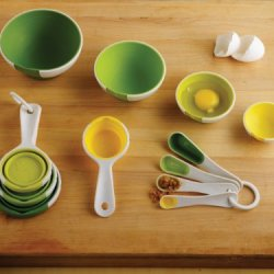 Chef'n SleekStor Pinch+Pour Collapsible Measuring Cups