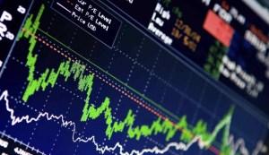 Κάτι προεξοφλούν οι αγορές, αλλά τι;