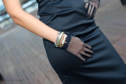 chic little gloves and bracelets snake