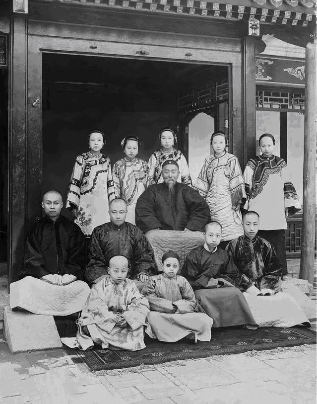 晚清四大名臣之李鴻章。他的子孫后代現狀如何?_騰訊新聞
