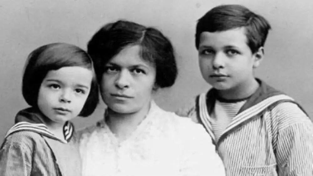 愛因斯坦是物理史上的天才,為什么3個孩子中2個都是精神病患者?_騰訊新聞