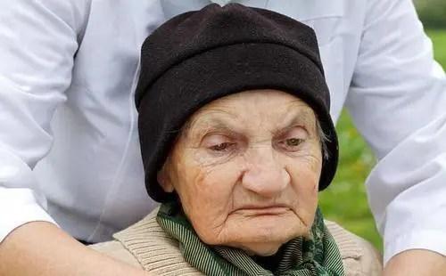 老年癡呆沒辦法治愈?4種方法延緩大腦衰老,老了不給兒女添負擔_騰訊新聞