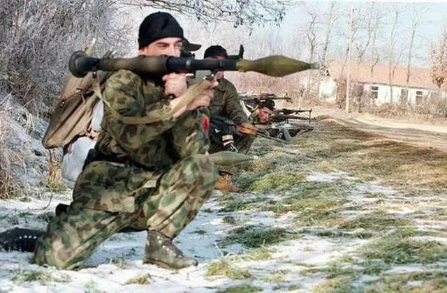 科索沃戰爭中,南聯盟為何能在轟炸下,保存絕大部分軍事力量_騰訊新聞