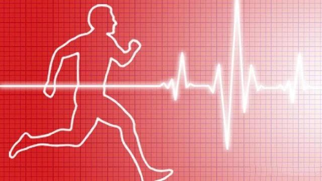 跑步時候心跳很快。如何才能降低心率?醫生說不用降!_騰訊新聞