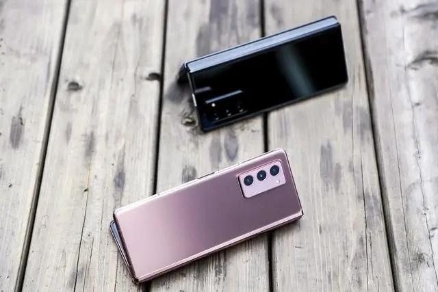 三星Galaxy Z Fold2 5G折疊屏手機亮相成都 體驗真香!_騰訊新聞