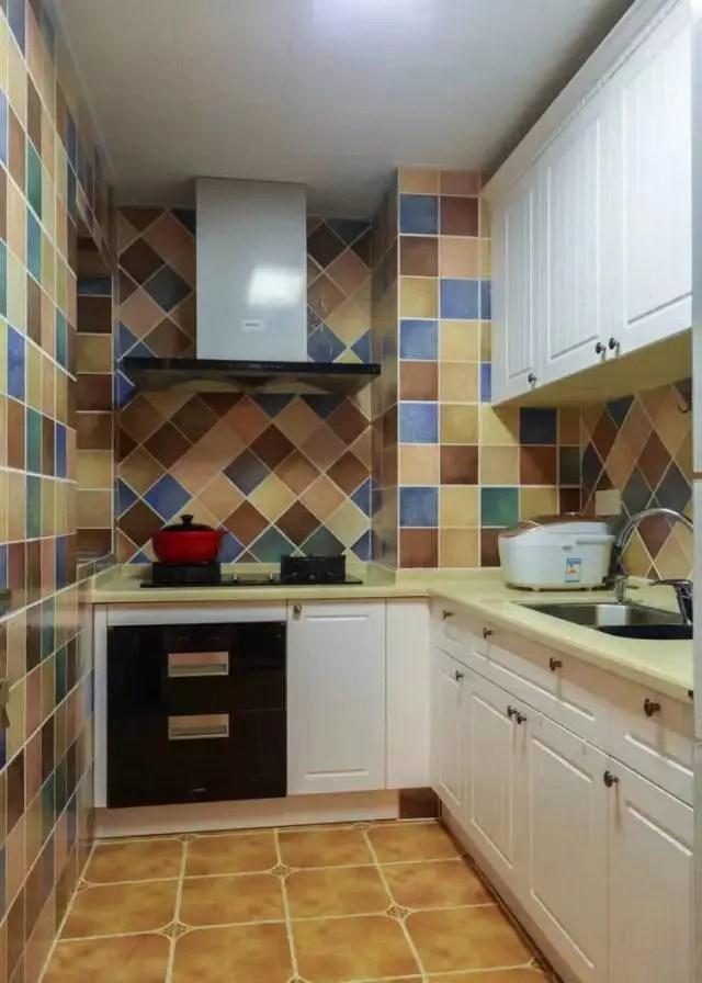 best kitchen designs contemporary faucets 小户型厨房虽然小 但设计不能乱来 合适才是最好的 厨房装修设计文章 小户型的厨房空间不大 可能不能完全满足你的需求 所以就需要你在设计方面下更多的功夫 尽量装成最适合自己家里的小户型厨房设计 避免空间的浪费 把每一个角落 都
