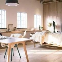 Kitchen Tables & More Backsplash Marble 飘窗地台 其实都比不上这个长长长的桌子 长桌甚至可以结合厨房操作台和躺卧的窗台 撑起的靠背让窗边成为阅读的小角落 自由转变