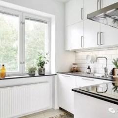Kitchen Back Splash Cabinets Tampa 选择合适的厨房灯具 让做饭更加行云流水 腾讯网 冷光的照明效果优于暖光 厨房用冷光灯最好 而led虽然节能 但光线太弱 瓦数不够支撑整个厨房的照明任务 更适宜局部使用