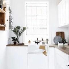 Porcelain Kitchen Sink Contemporary Light Fixtures 国内买不到 海淘太沉 这种洁白如玉 露出裙边 高科技无法造出的古典美 我一直想要个白色的水槽 质量要比小时候的白瓷水槽好 装置的方式要像我们常见的西方传统厨房那样 露出水槽的前面部分 而不是完全嵌入 只露出一个边缘
