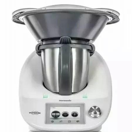 bimby kitchen robot cabinet packages 有了这台厨房神器 动动手指就能当大厨 腾讯网 图1 机器厨师
