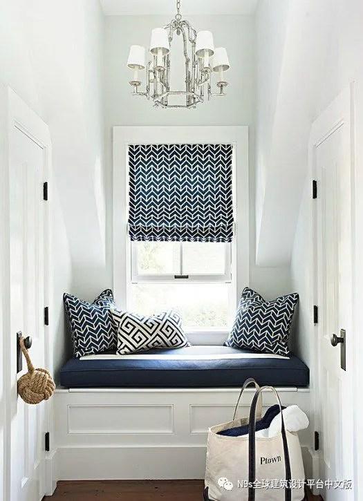 corner bench seating for kitchen dark gray cabinets 为您的家添加一个靠窗座位的创造性方法 不要担心 如果您没有一个精致的角落来做这个靠窗座位 那就找到一个合适的地方 抓住一些舒适的靠垫 也许还可以有一杯茶和一本书 我喜欢这些没有小题大做的靠窗 座位