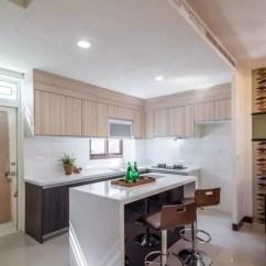 Kitchen Island With Stove Ventilation Options 厨房就这样装就对了 让你用的更加的顺手 每天煮三餐 厨房可说是居家设计重镇 但却又不能说改就改 温馨提示 在设计之前可要先好好做做功课呢