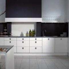 Kitchen Vinyl Complete Cabinet Set 厨房装修选材要慎重 适合厨房地面装修的5种材料 让你不再纠结 乙烯基这种材料非常坚韧 触感温暖 并且有耐脏 防水 易清洁的优点 厚度和价格多种多样 乙烯基使用起来相当方便 几乎不用保养维修 所以这也是现今多数家庭 厨房