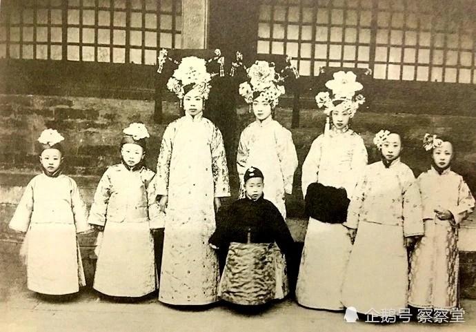 溥儀的五個妹妹長得都如此標致,改變了對清代格格的印象