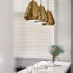Travertine Kitchen Backsplash Cheap Cabinet Doors 180 精致大宅 彰显 法式轻奢 的浪漫 橱柜后挡板处的纯白色瓷砖 中文译为雅致系列 灵感来源于珍珠在光照反射下表面所呈现的微妙变化 砖体表面呈现半光半影的效果 拥有光滑细腻犹如丝绸般的质感 立体