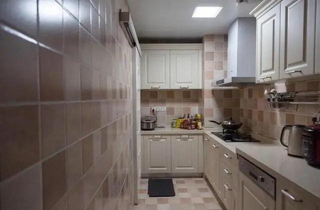 easy kitchen remodel las vegas hotels with 135平米现代化婚房 简单装修就入住 厨房实在有点闷 腾讯网 比较遗憾的是厨房内的通风效果比较差 由于当时没有考虑到通风的问题 没有设计窗户 现在在厨房内做饭有点太闷 之后应该会稍微做一些改造